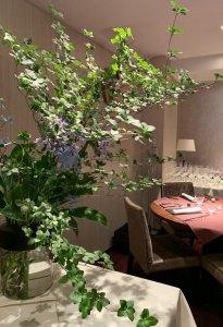 restaurant-flower