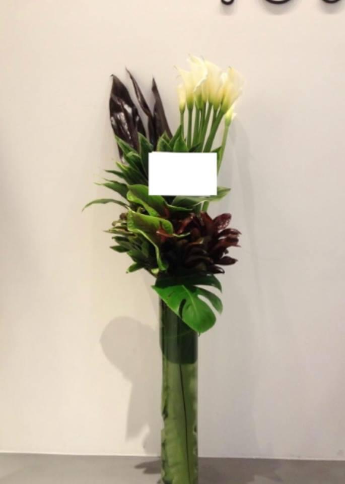 ガラスの器の祝い花