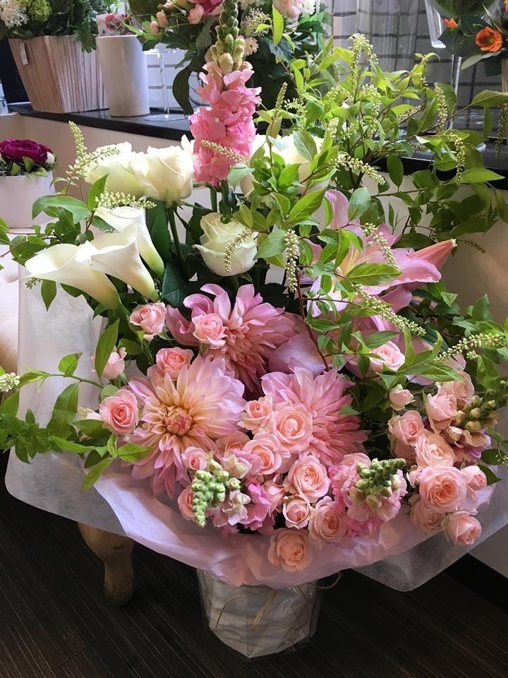 バラを使った祝い花