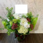 whiteflower-arrangement