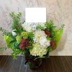 whiteflower-arrangement