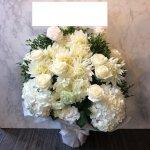 white-flowerarrangement-oiwai